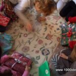 Flaskehalsen peger på… med gaver