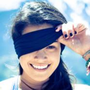 Med bind for øjnene
