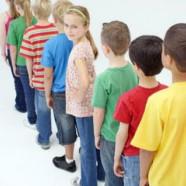 Stå på række efter alder uden at tale sammen